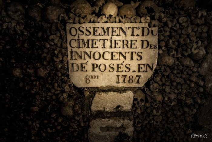 cimetière des innocents ossements catacombes.jpg